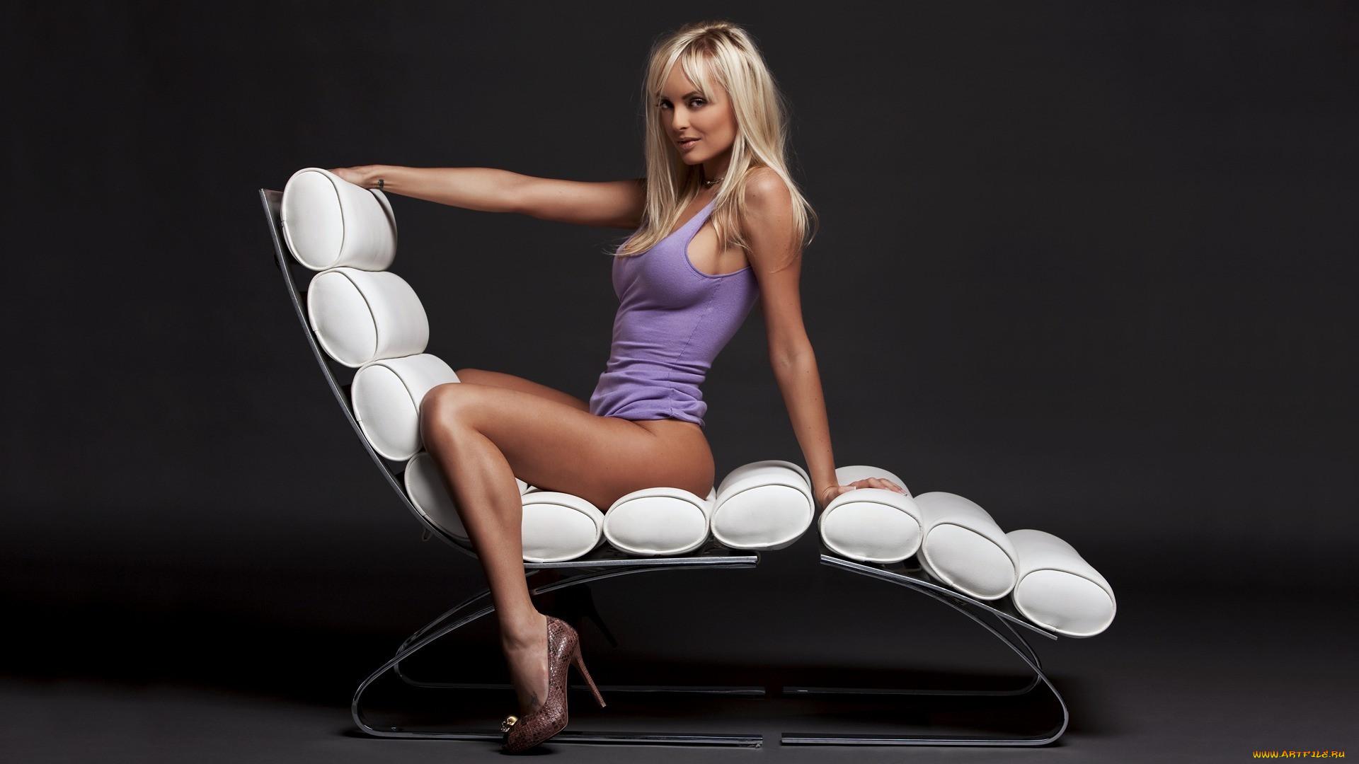 Секс поза сидя в кресле 19 фотография